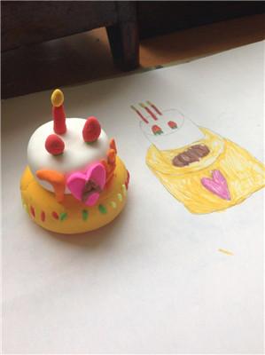 少儿美术培训班——东门可爱的小班3岁孩子们和中班7岁设计做的蛋糕